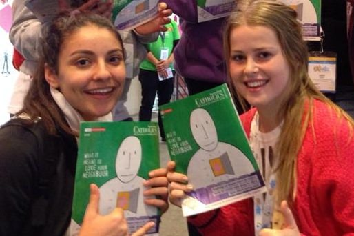 Students enjoying the magazine